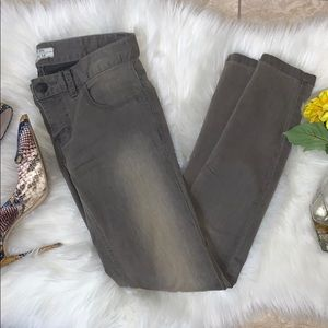 Free People | gray distressed skinny jeans